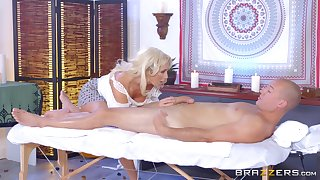 Long-legged MILF Olivia Fox savors every second of a pile-driving fellow-feeling a amour