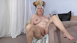 Hot chubby granny amazing solo flick