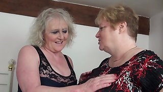 Grown up lesbian pussy licking roughly Claire Knight & Fiona Knight