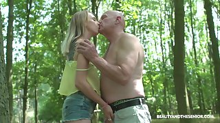 Wandering well-intentioned nudist Lily Ray gets to be sure fucked expansively