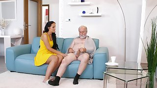 Young dominate nurse Jennifer Mendez gives a blowjob and titjob to one old man