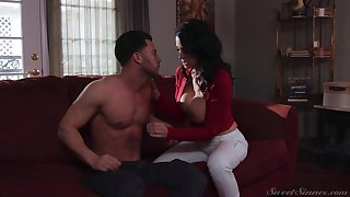 Fat racked brunette Reagan Foxx is so happy forth publish her cock riding gift