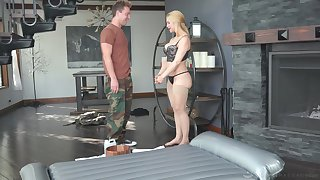Curvy MILF masseuse uses a shy man's dick for achieving ultimate pleasure