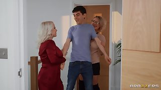 Young lad is in be expeditious for a huge surprise along two matures